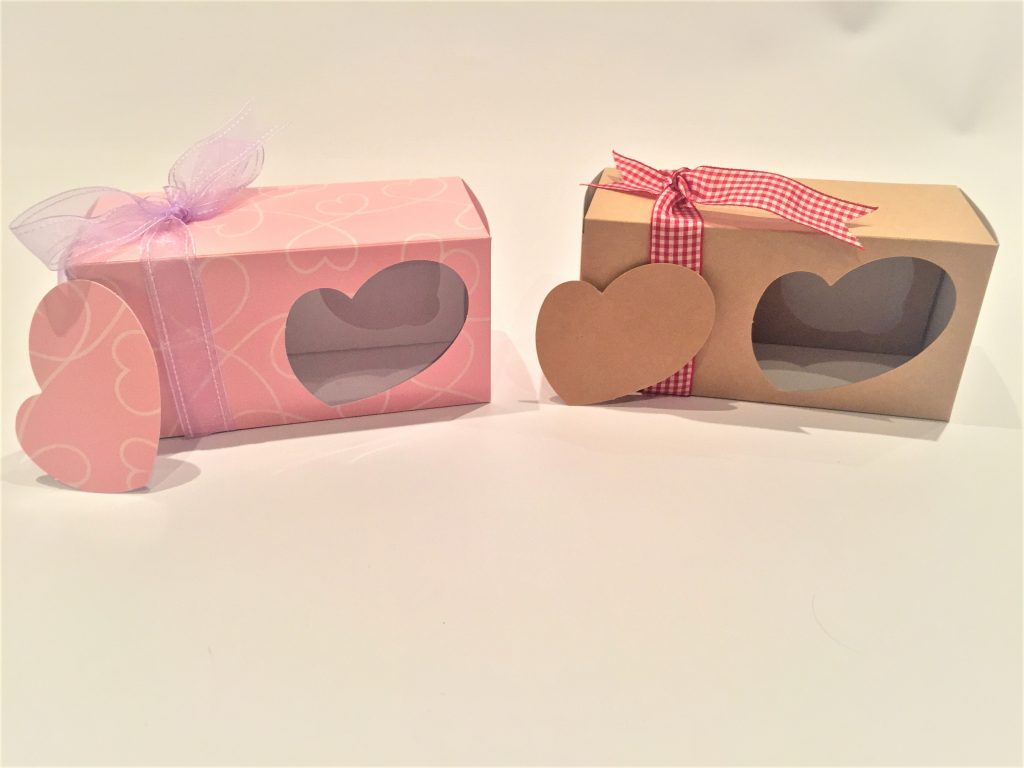 Quirky Heart Double Cupcake Box in Pink Print & Kraft with insert