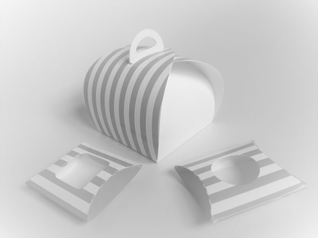 Generic Print Grey/White Stripe Patisserie Box 75 x 75 x 75mm, Matching Pillow Packs also available