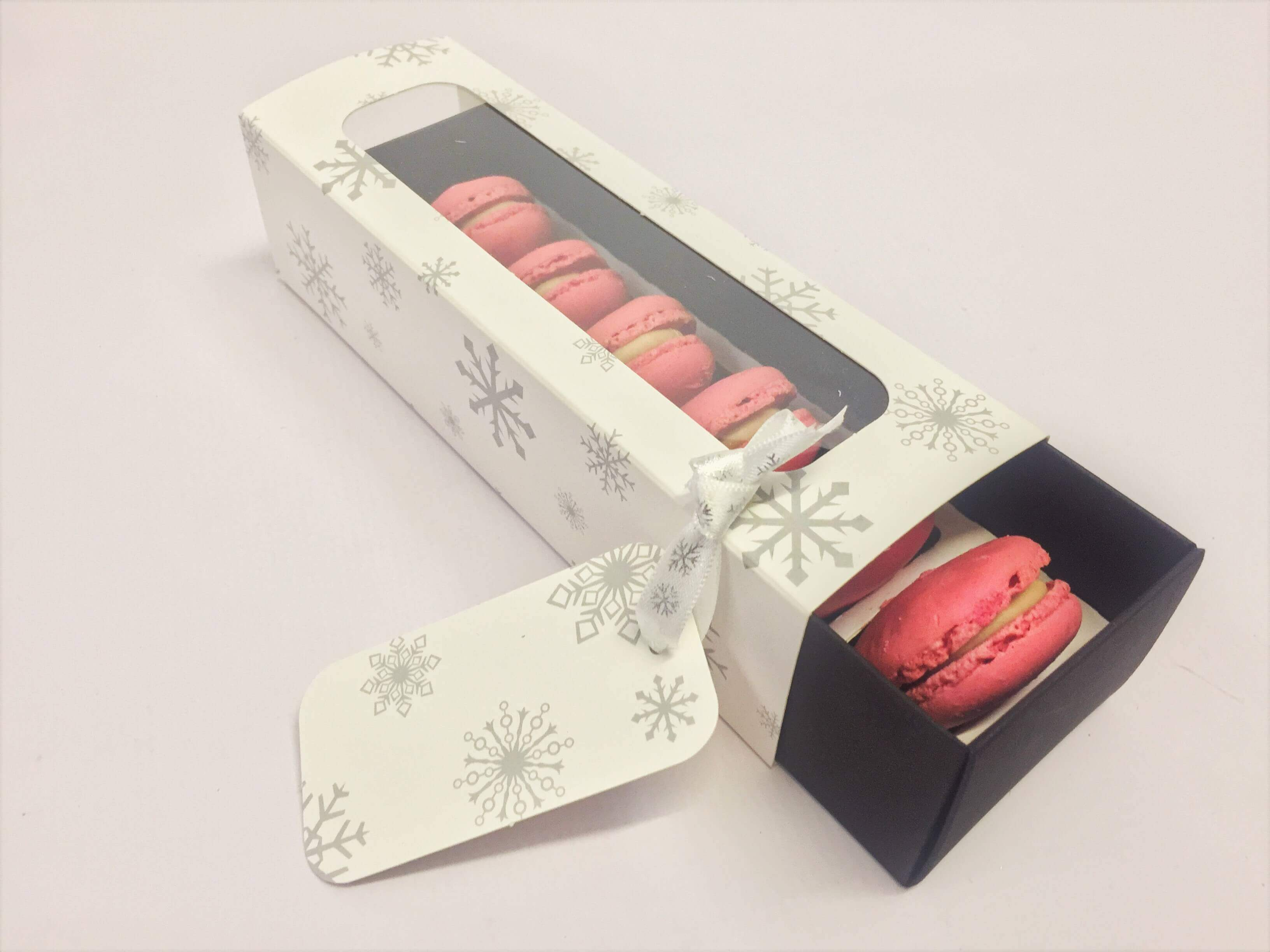 6 Pack Standard Macaron Box with Xmas Print sleeve, coloured base, white insert & window