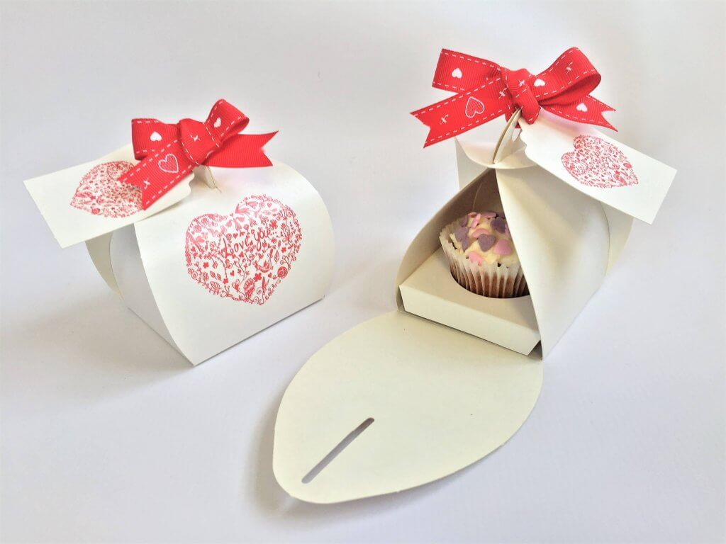 Love Heart Print Patisserie Box with matching Tag & insert for mini cupcake