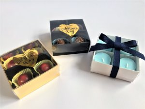 4 Pack Truffle/Candle/Soap Base & Plastic Foiled Valentines Day Lid