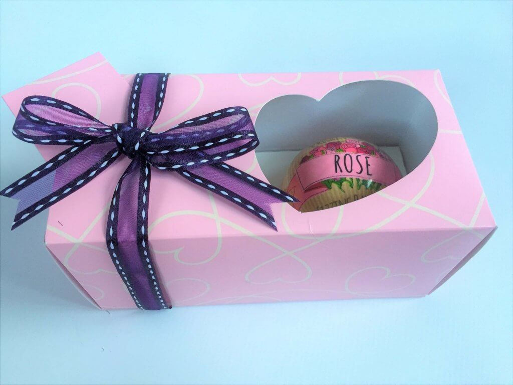 Quirky Heart Double Cup Cake Box in Pink with white swirl Print with insert