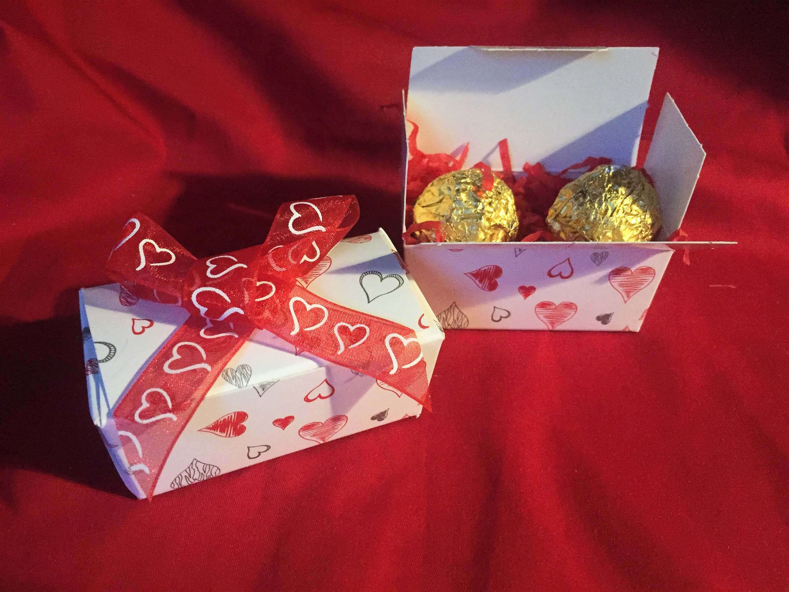 Double Tapered Truffle Box with heart print