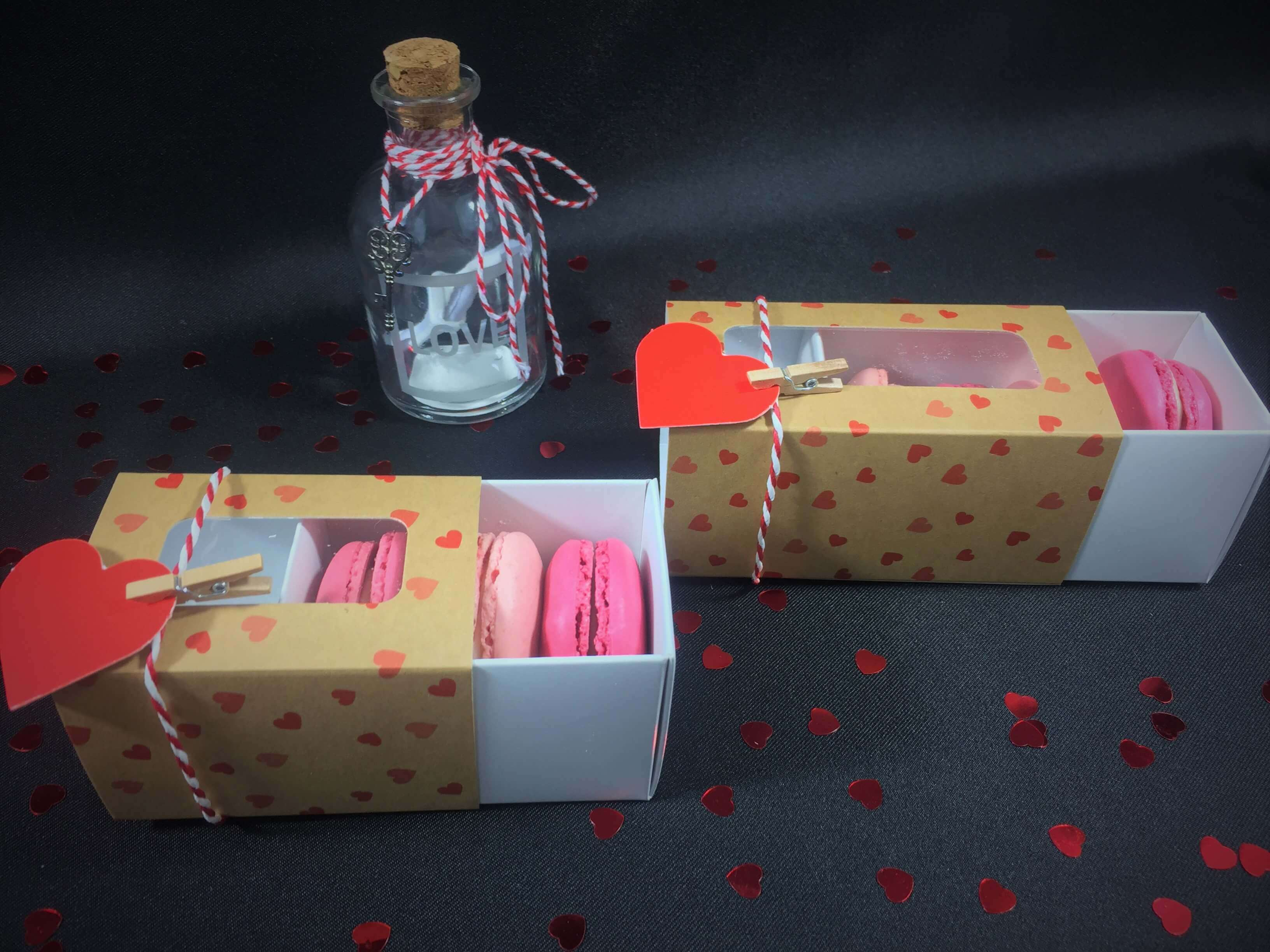 Kraft Printed Heart Windowed 3 & 4 Pack Macaron Boxes