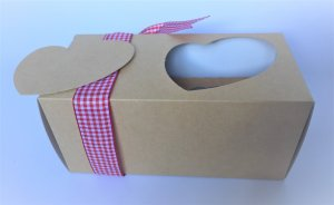 kraft pure heart windowed cup cake 2 pack box with insert & tag