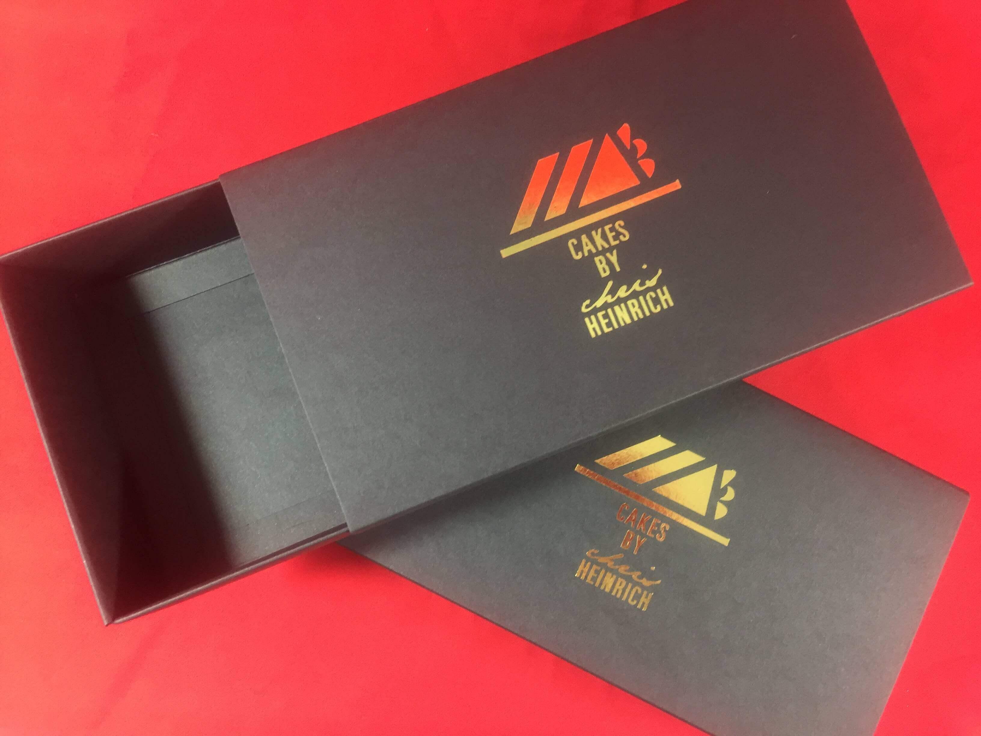 Black Print 12 Pk Slider Foiled Macaron Box