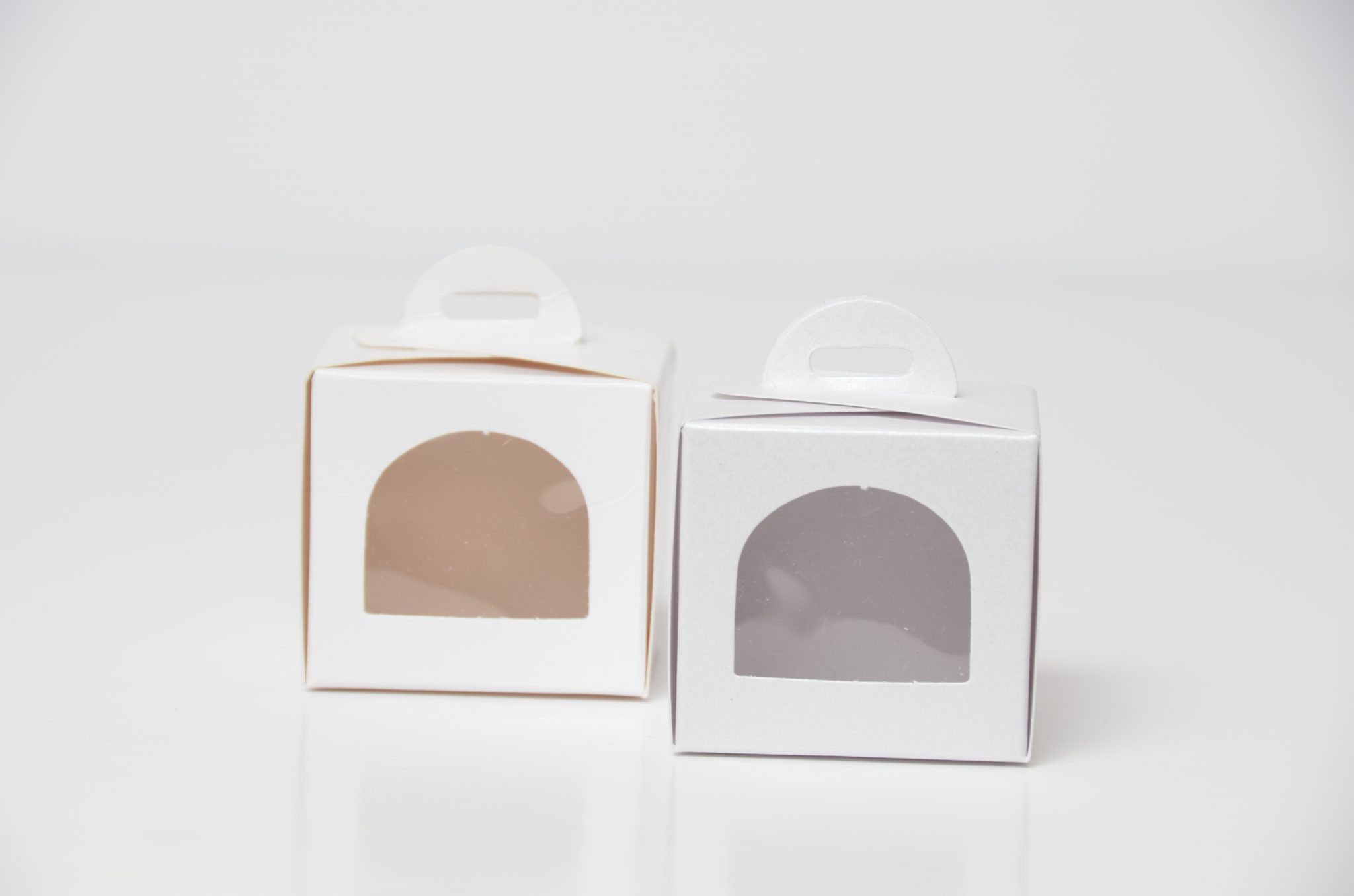 White Single Eco Dome Cup Cake Box with arch window & insert