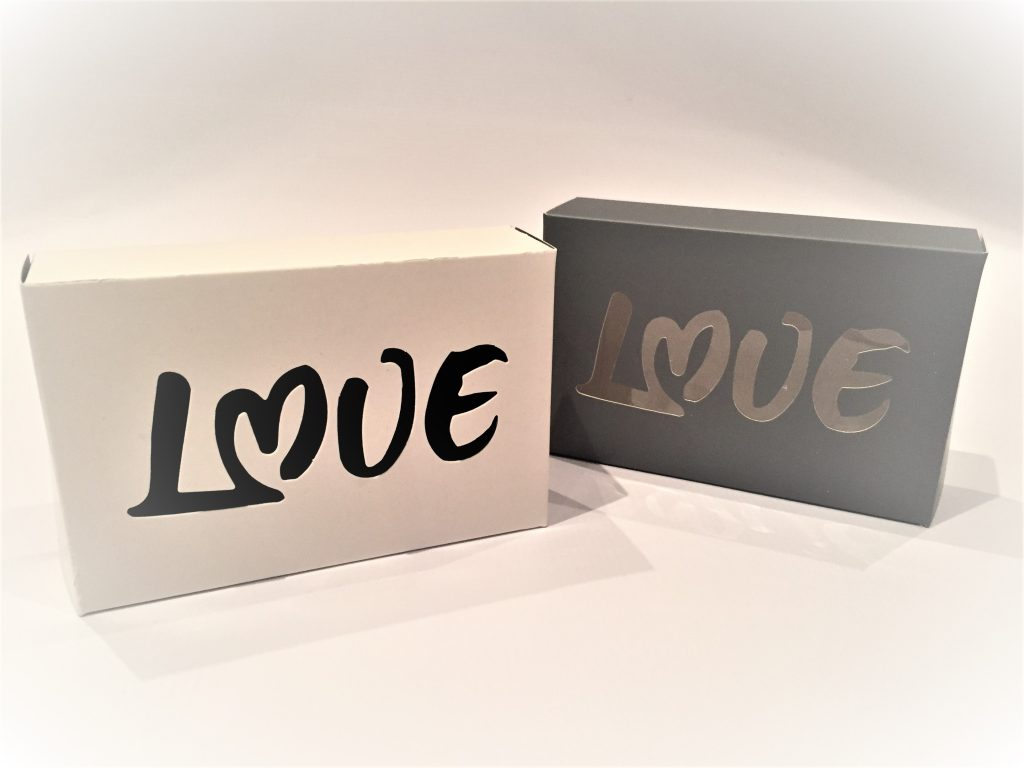 Truffle (6) Boxes with Love Aperture