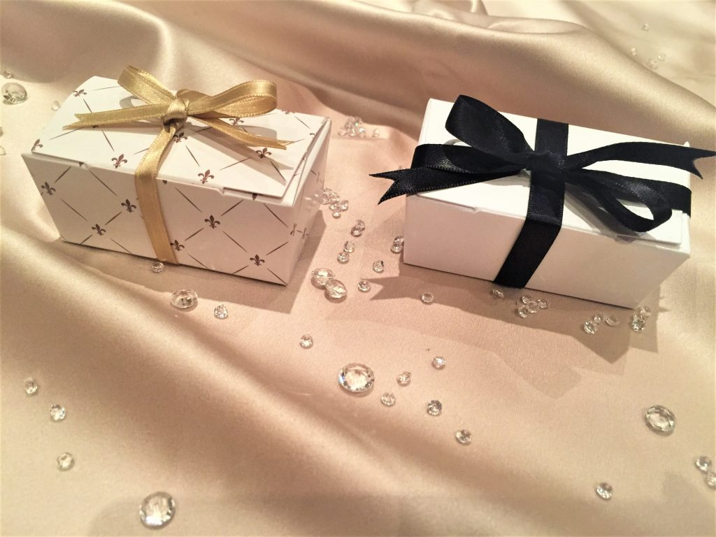 Taper Truffle Boxes in gold pattern & pearlescent