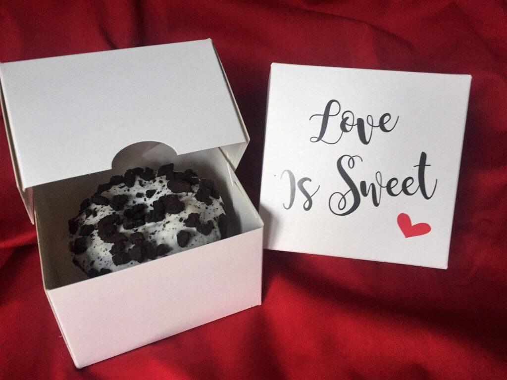 "Generic Print "" Love Is Sweet"" Single Donut Box"