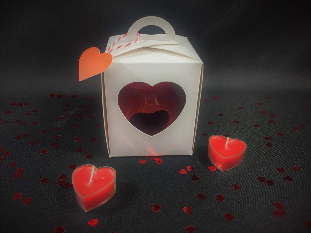 Single Tall Eco Dome White & Kraft with Heart Window & insert