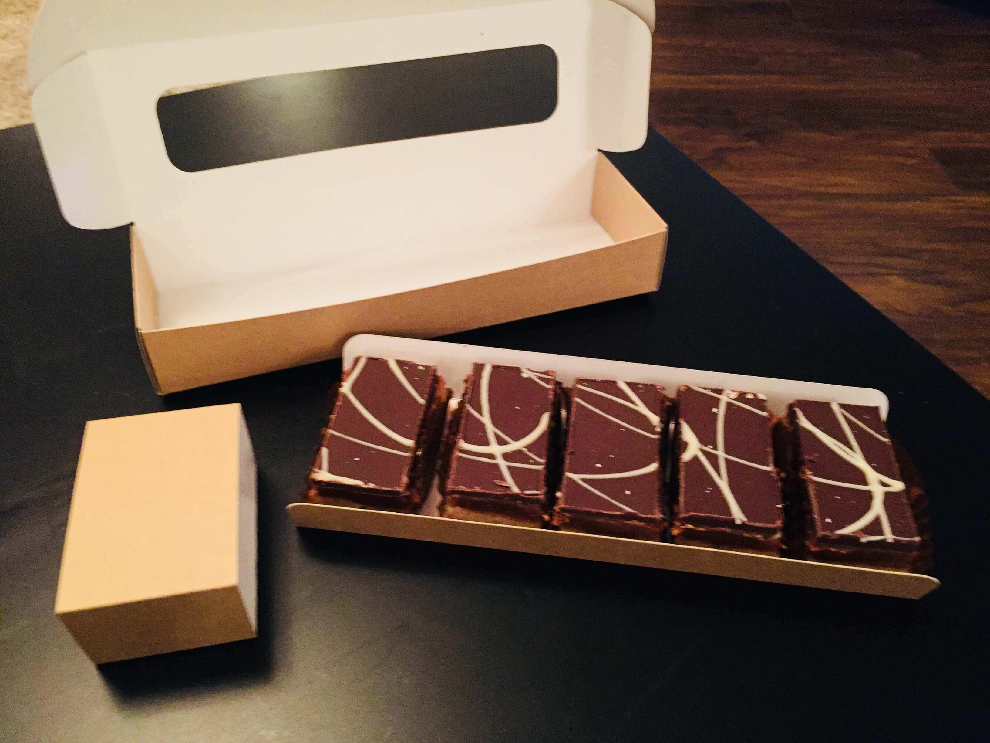 Tray Bake Hinge Lid Box with U Card & Sleeve