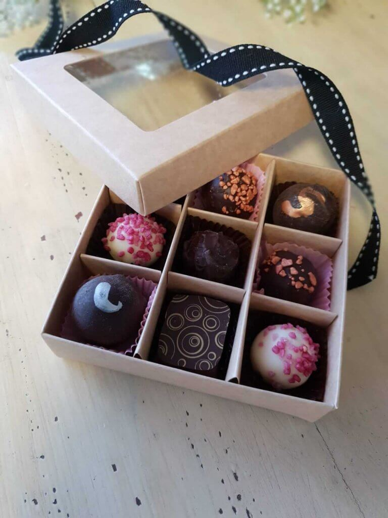 Fully Compostable Base & Lid 9 Pack Truffle Box with insert