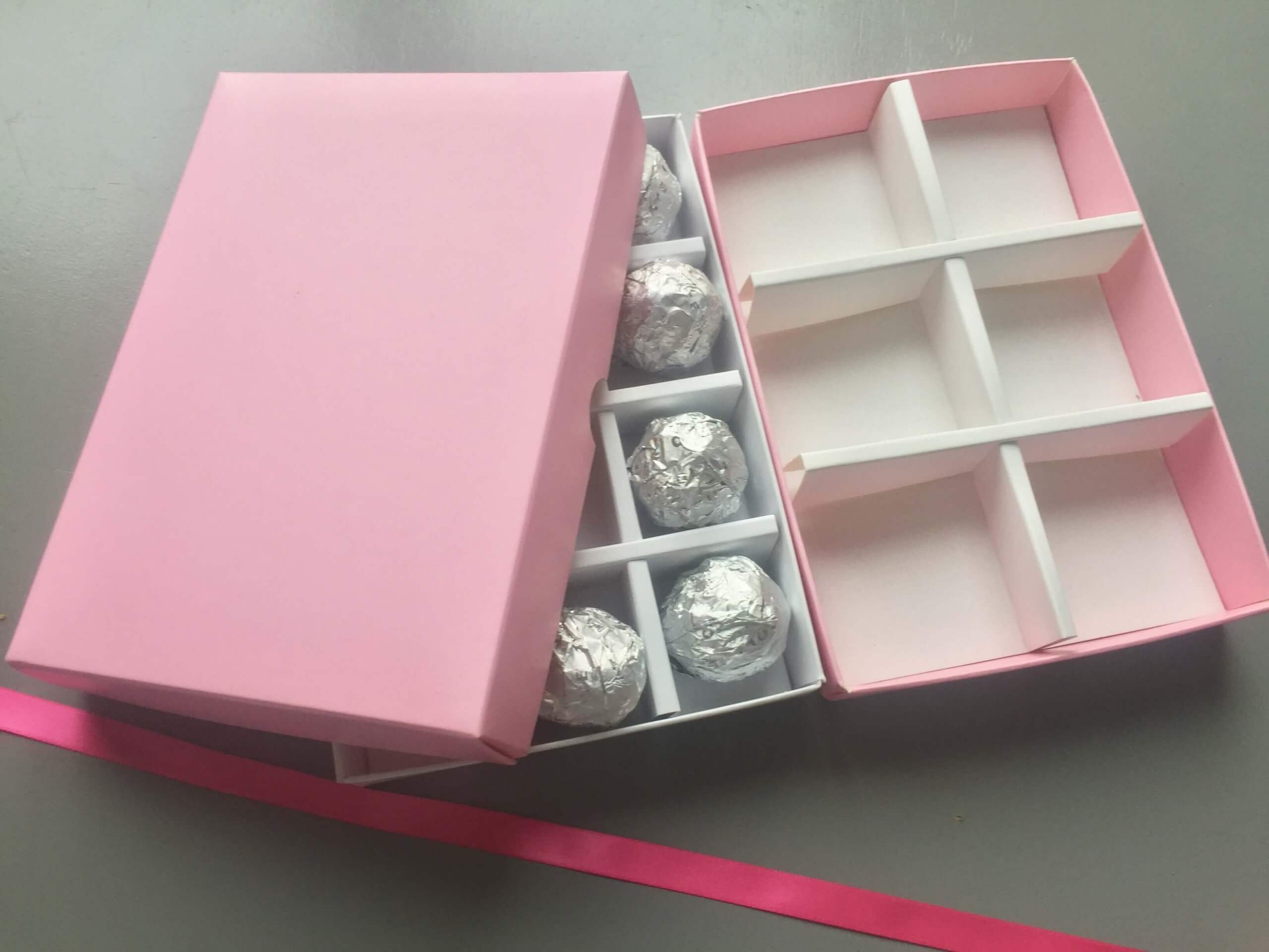 12 Pack Truffle or 6 Pack Brownie/Cookie Box various colours available (same base & lid differen