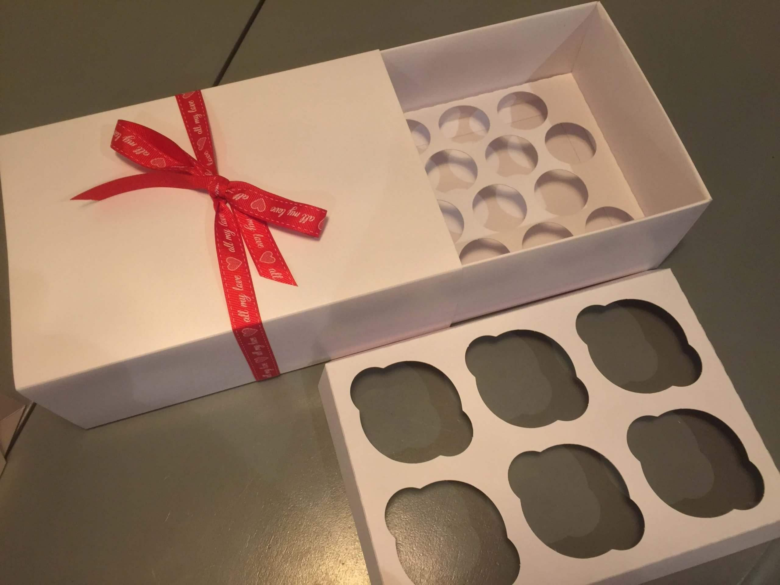 Presentation / Gift Box for Regular or Mini CupCakes