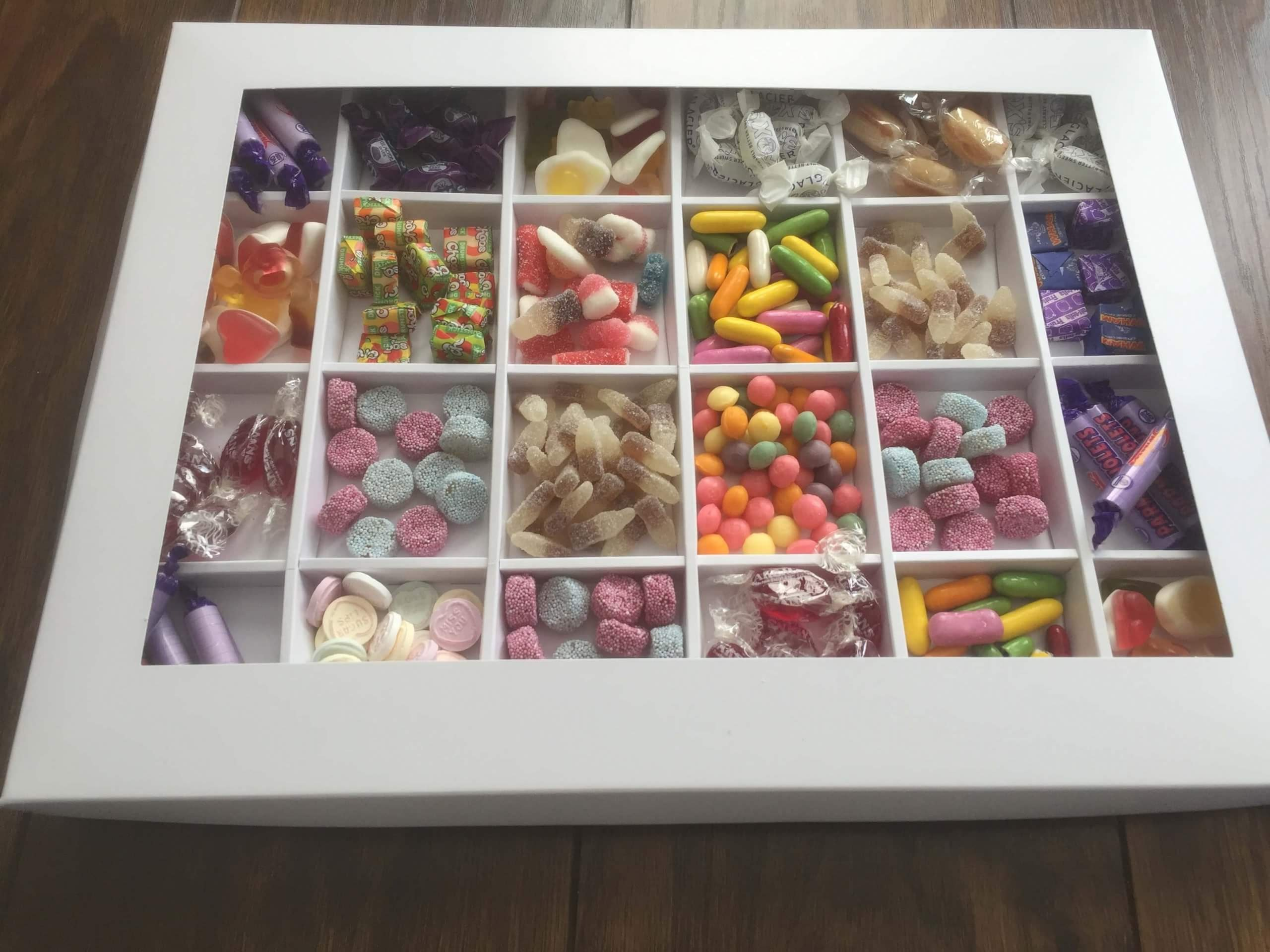 White 24 Cavity Sweet / Cookie / Confectionary Box