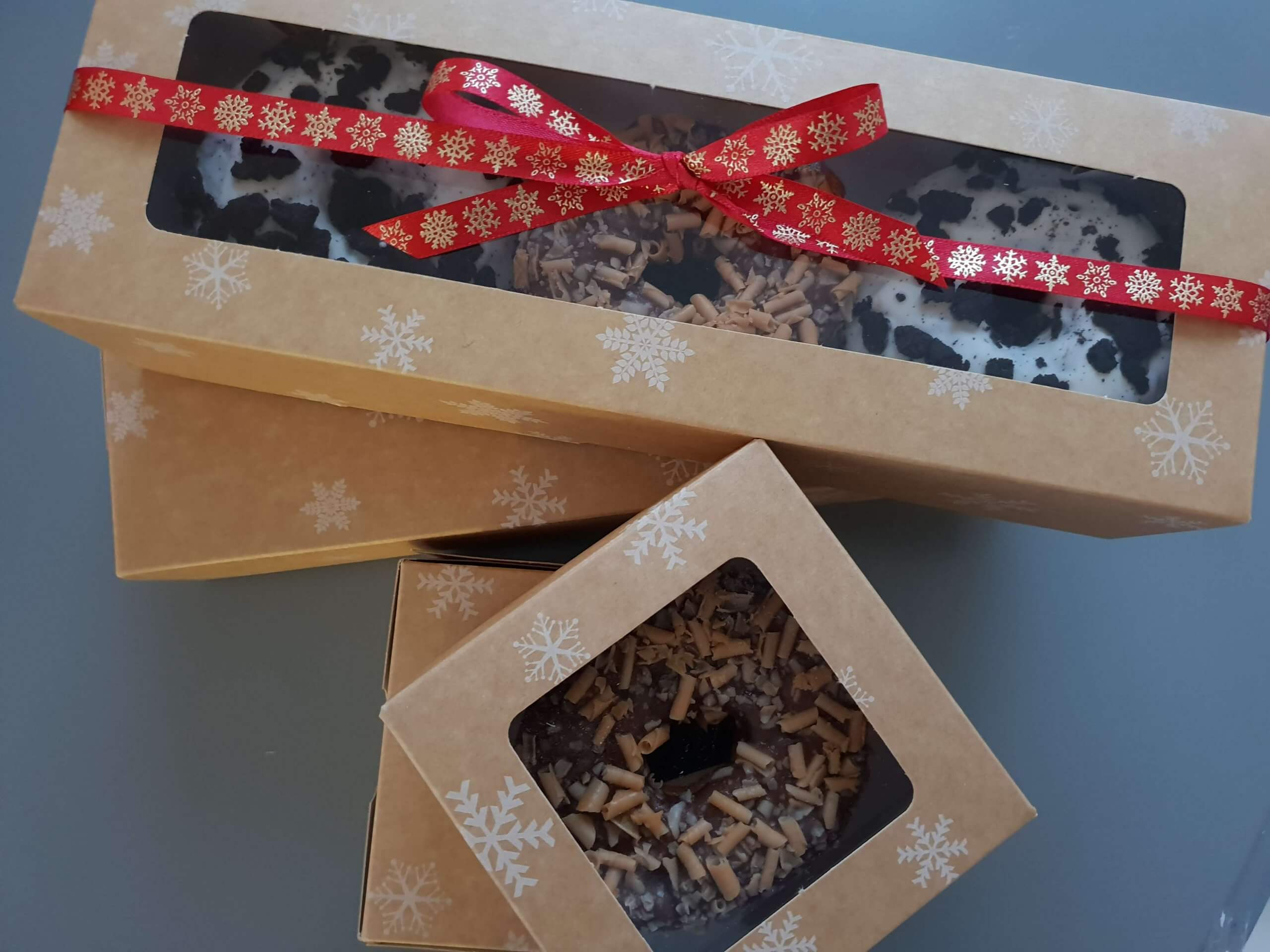 3 Pack Stock Print (Snowflake) Windowed Donut Box
